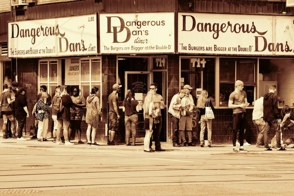 Toronto Diner Closes